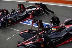 Sebastien Buemi, Nissan e.dams, Nissan IMO2, Oliver Rowland, Nissan e.dams, Nissan IMO2, are returned to the garage