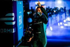 Sam Bird , Panasonic Jaguar Racing festeggia la vittoria nel Parco Chiuso