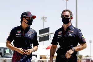 Sergio Perez, Red Bull Racing et Christian Horner, Team Principal, Red Bull Racing
