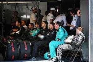 Mercedes AMG F1 W10 mechanics