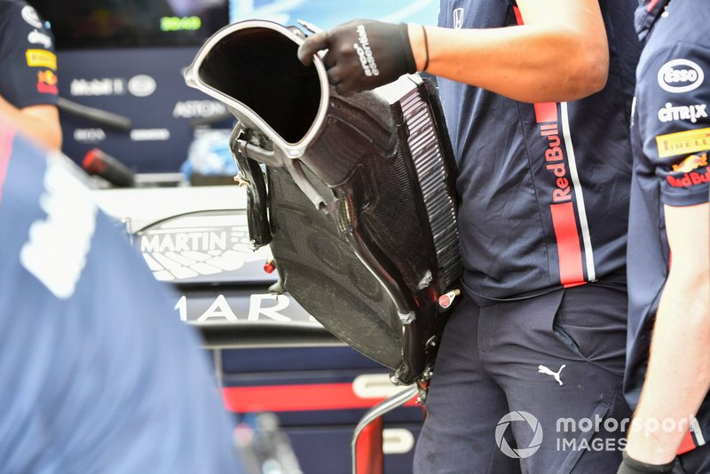 Red Bull mechanics replace some power unit components