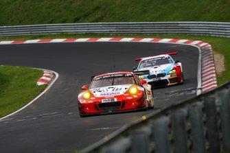 #30 Frikadelli Racing Team Porsche 911 GT3 R: Klaus Abbelen, Alexander Müller, Felipe Fernández Laser