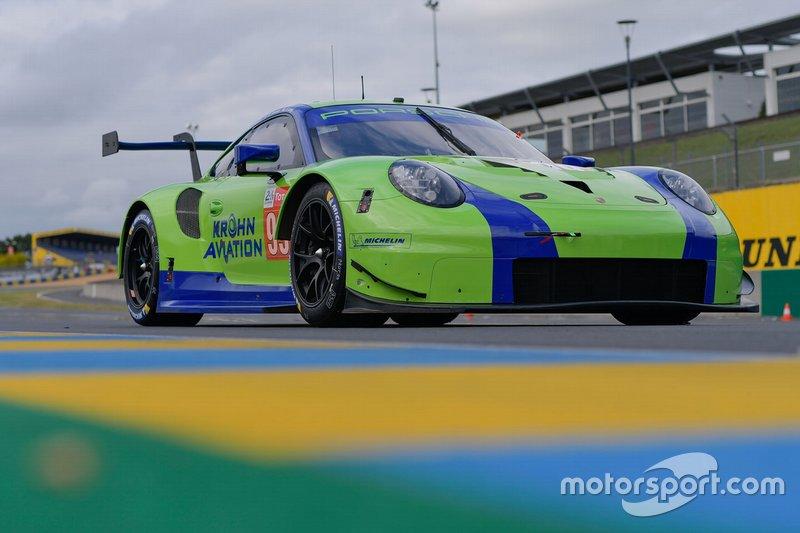 №99 Porsche 911 RSR