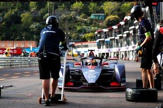 Robin Frijns, Envision Virgin Racing, Audi e-tron FE05 dans la voie des stands