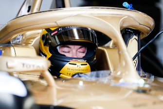 Andre Lotterer, DS TECHEETAH, DS E-Tense FE19, takes a nap in his car