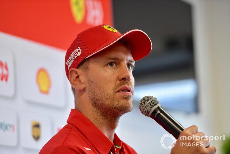 Sebastian Vettel, Ferrari parla con i media