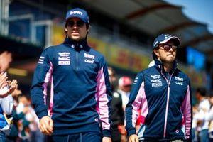 Lance Stroll, Racing Point, y Sergio Pérez, Racing Point, en el desfile