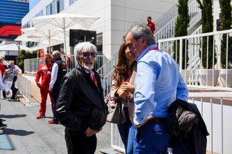 Bernie Ecclestone, Chairman Emiritus of Formula 1 and his wife Fabina with Carlos Sainz, Sr
