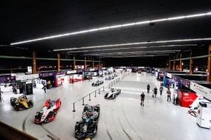 Los coches en el Bern Expo