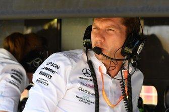 Mercedes F1 pit wall