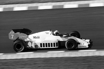 Race winner Alain Prost, McLaren MP4/2