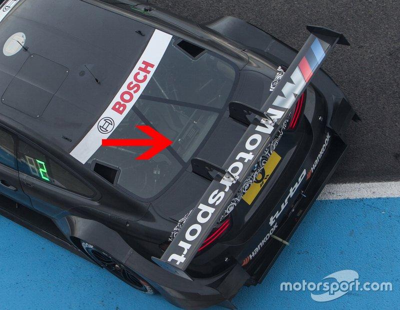 Die neue Rückfahrkamera, die 2019 in der DTM eingeführt wird, versteckt sich unter der Heckscheibe. In der Detailansicht ...