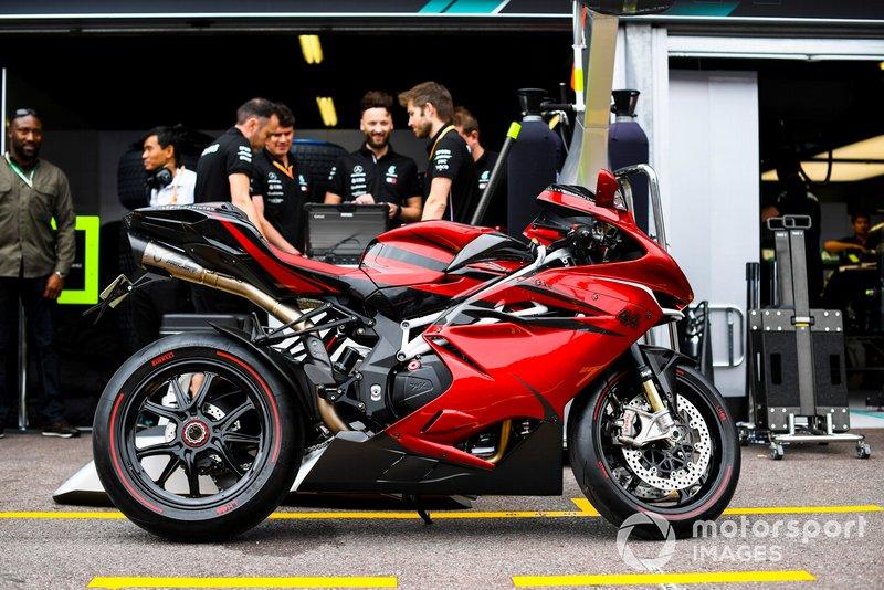 Moto di Lewis Hamilton, Mercedes AMG F1