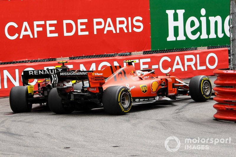 Charles Leclerc, Ferrari SF90, lotta con Nico Hulkenberg, Renault R.S. 19