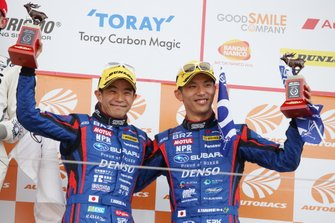 GT300 Podium: third place #61 R&D Sport Subaru BRZ: Takuto Iguchi, Hideki Yamauchi