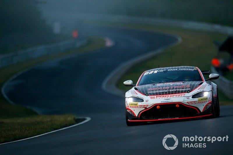 #68 Prosport-Performance Aston Martin Vantage GT4: Christoph Breuer, Kay van Berlo, Alexander Mies, Mike David Ortmann