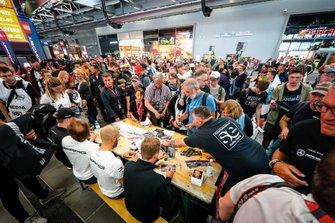 #6 Mercedes- AMG GT3, Mercedes-AMG Team Black Falcon: Patrick Assenheimer, Nico Bastian, Yelmer Buurman, Gabriele Piana