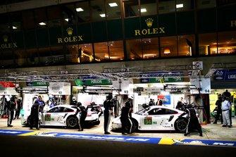 #93 Porsche GT Team, Porsche 911 RSR: Patrick Pilet, Earl Bamber, Nick Tandy and #94 Porsche GT Team, Porsche 911 RSR, Sven Muller, Mathieu Jaminet, Dennis Olsen