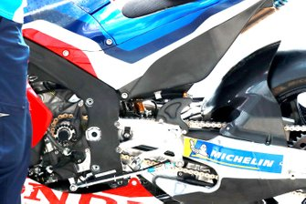 Detail van de motor van Stefan Bradl, HRC Honda Team