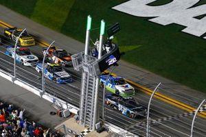 Christian Eckes, Kyle Busch Motorsports, Toyota Tundra SiriusXM green flag start