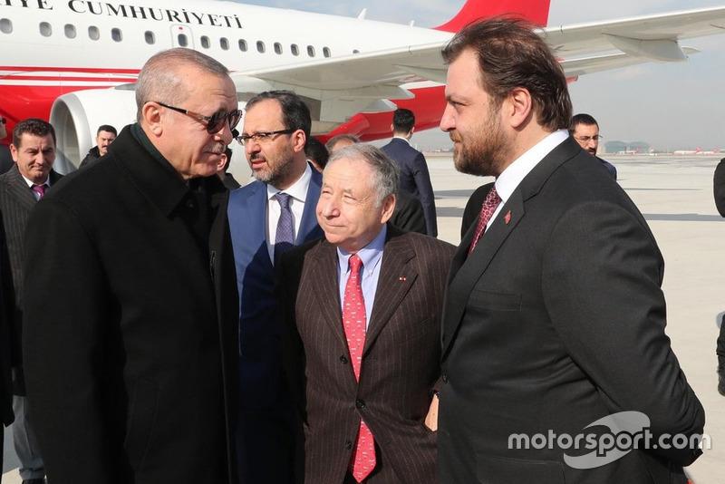 Jean Todt, FIA Başkanı, TOSFED eski başkanı Serkan Yazıcı, ve Recep Tayyip Erdoğan, Türkiye Cumhurbaşkanı