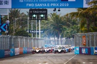 Start zum ePrix Sanya der Formel E 2018/19: Oliver Rowland, Nissan e.Dams, Nissan IMO1, Jean-Eric Vergne, DS TECHEETAH, DS E-Tense FE19