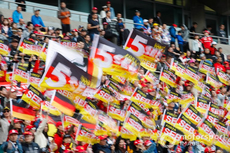 Crowd support for Sebastian Vettel, FerrariCrowd support for Sebastian Vettel, Ferrari