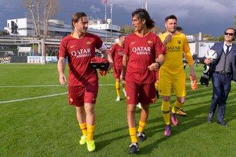 Francesco Totti y Marco Delvecchio en el partido de las Leyendas de la Roma contra los pilotos de Fórmula E