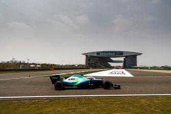 Robert Kubica, Williams FW42, with flo-viz paint on his car