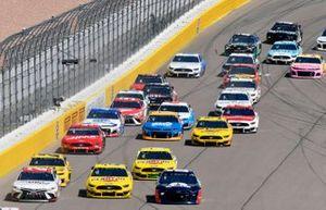Erik Jones, Joe Gibbs Racing, Toyota Camry SportClips Joey Logano, Team Penske, Ford Mustang Pennzoil and Alex Bowman, Hendrick Motorsports, Chevrolet Camaro Axalta