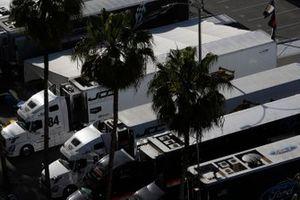 #85 JDC-Miller Motorsports Cadillac DPi, DPi: Misha Goikhberg, Tristan Vautier transporters
