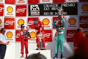 Podium: Racewinner Nigel Mansell, Ferrari, second place Alain Prost, McLaren, third place Mauricio Gugelmin, March