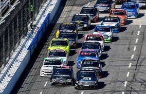 Kyle Busch, Kyle Busch Motorsports, Toyota Tundra Cessna and Ben Rhodes, ThorSport Racing, Ford F-150 Carolina Nut