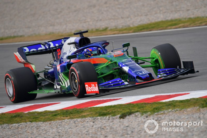Scuderia Toro Rosso STR14 with aero paint