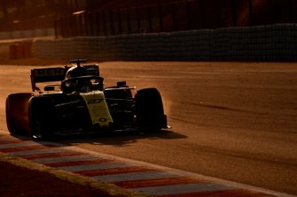 Nico Hulkenberg, Renault F1 Team R.S. 19 and brake dust