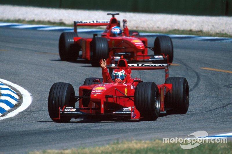 Eddie Irvine, Ferrari, Mika Salo, Ferrari (Schumacher estava lesionado)