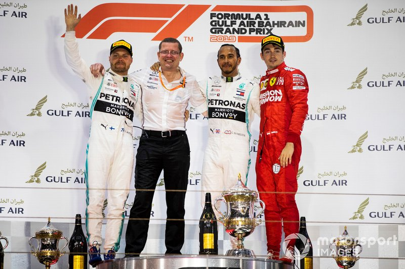 Podio: segundo lugar Valtteri Bottas, Mercedes AMG F1, ganador Lewis Hamilton, Mercedes AMG F1 y tercer lugar Charles Leclerc, Ferrari