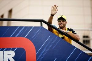Daniel Ricciardo, Renault F1 Team, in the drivers parade