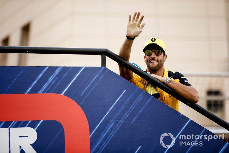 Даниэль Риккардо, Renault F1 Team, на параде пилотов