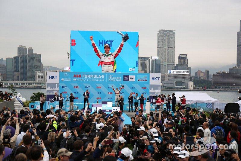 Lucas Di Grassi, Audi Sport ABT Schaeffler celebrates third position on the podium
