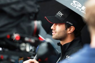 Felipe Nasr, GEOX Dragon Racing talks to the media