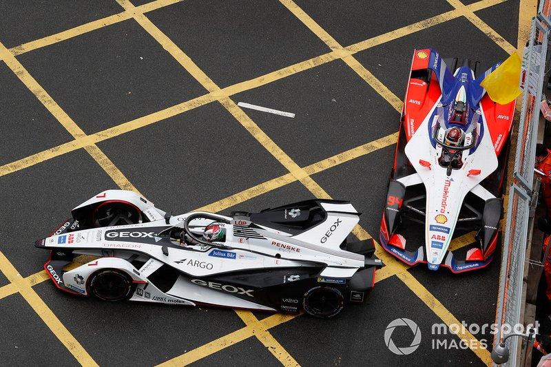 Jose Maria Lopez, Dragon Racing, Penske EV-3, Pascal Wehrlein, Mahindra Racing, M5 Electro, casi chocan bajo bandera amarilla.