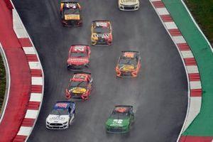 Ross Chastain, Chip Ganassi Racing, Chevrolet Camaro Clover and Garrett Smithley, Rick Ware Racing, Ford Mustang