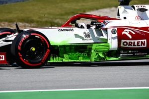 Flow-viz paint on the car of Kimi Raikkonen, Alfa Romeo Racing C41