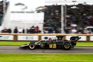 Emerson Fittipaldi (BRA) - Lotus 72