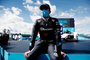 Nick Cassidy, Envision Virgin Racing, tercera posición, en el podio