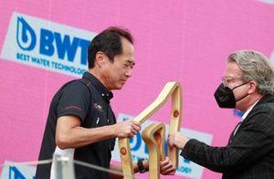 Toyoharu Tanabe, F1 technisch directeur Honda, op het podium