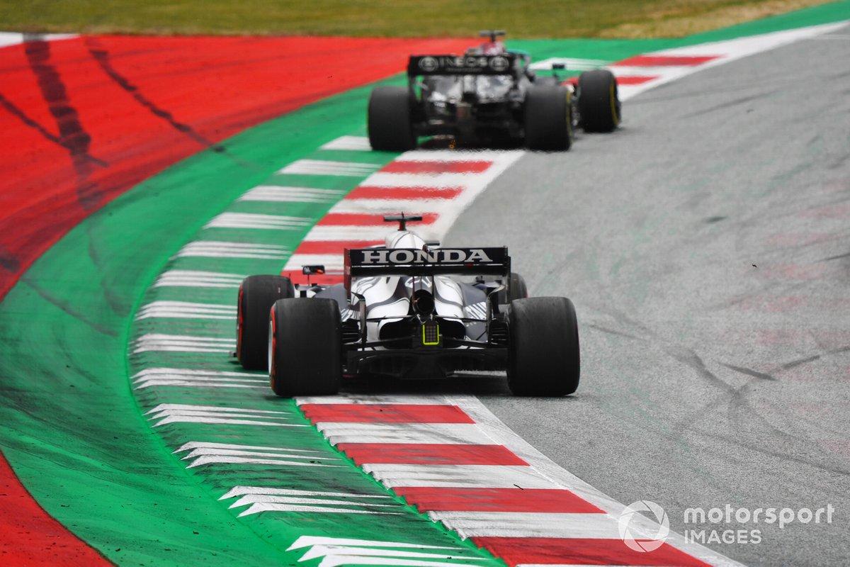 Lewis Hamilton, Mercedes W12, Yuki Tsunoda, AlphaTauri AT02
