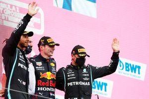 Lewis Hamilton, Mercedes, Helmut Marko, Consultant, Red Bull Racing, Max Verstappen, Red Bull Racing, en Valtteri Bottas, Mercedes