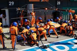 Daniel Ricciardo, McLaren MCL35M, makes a stop